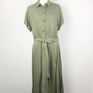 H&M button-down, belted green short sleeve dress